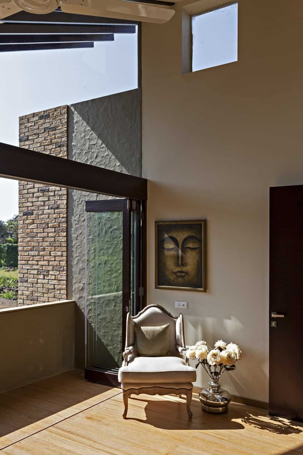 Sitting area in the Monsoon Retreat designed by Abraham John Architects.