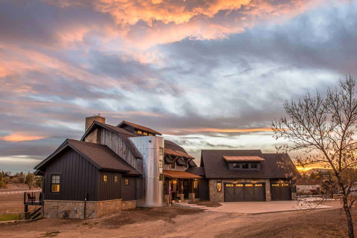 5-Bedroom Two-Story Country Barn