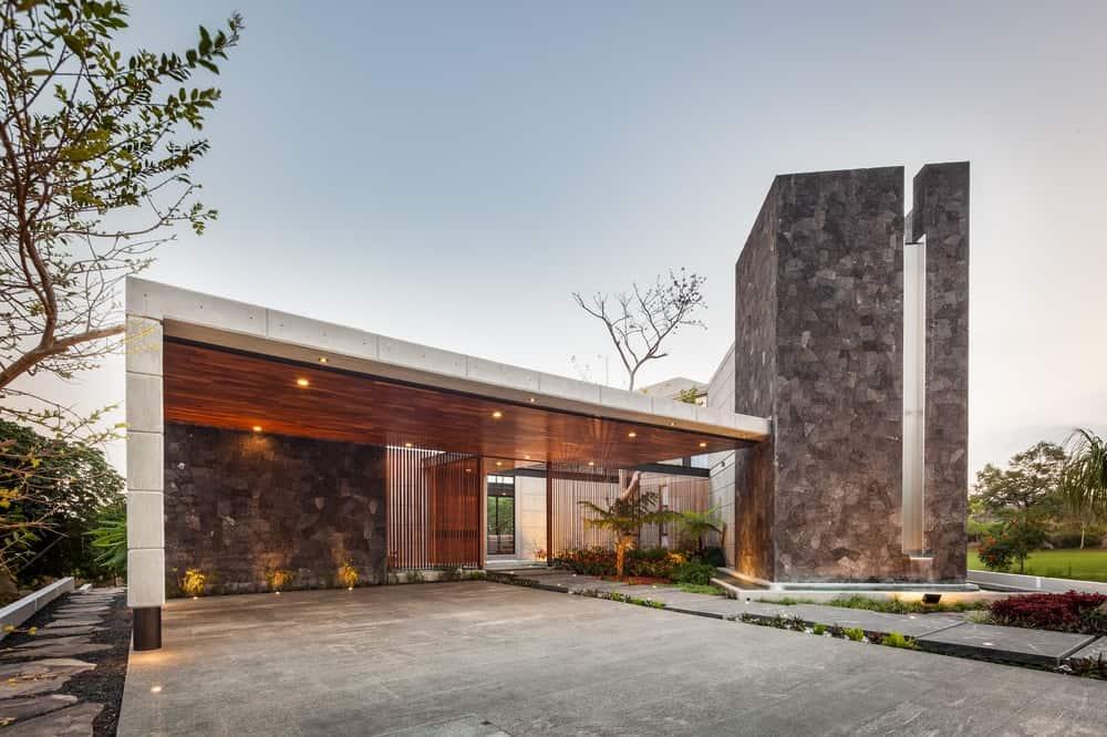 Facade of the Casa Kaleth designed by Di Frenna Arquitectos.