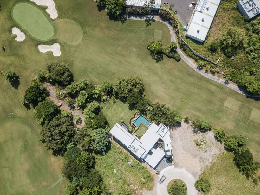 Aerial view of the Casa Kaleth designed by Di Frenna Arquitectos.