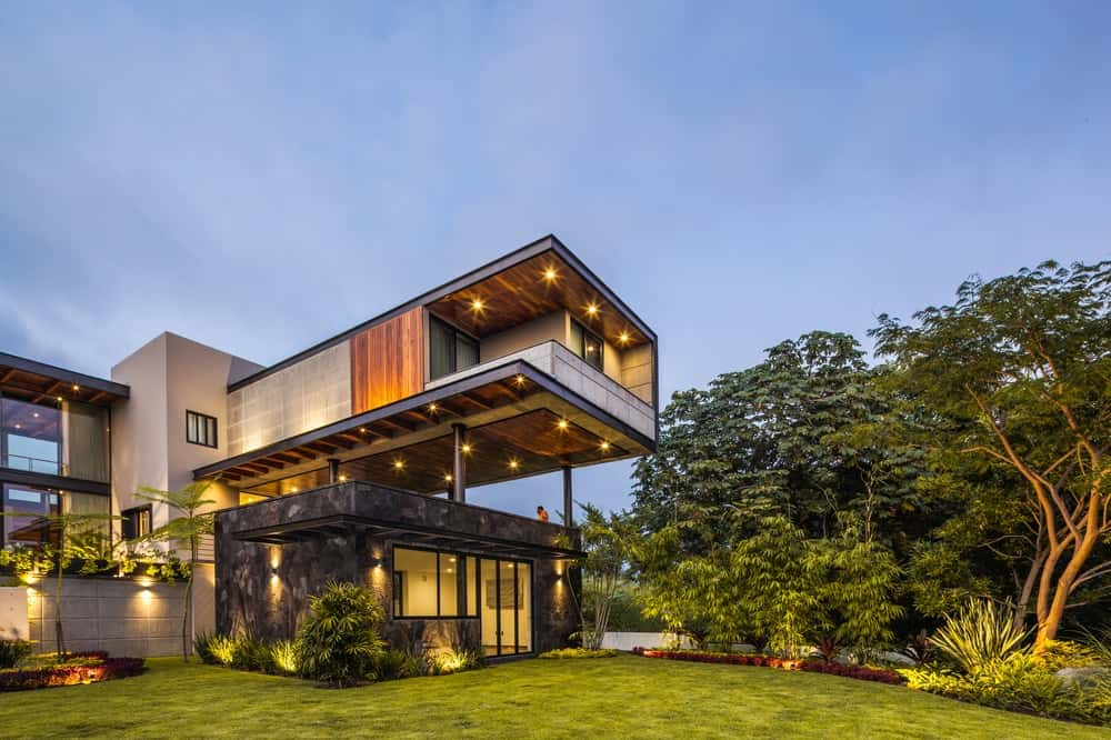 Cantilever in the Casa Kaleth designed by Di Frenna Arquitectos.