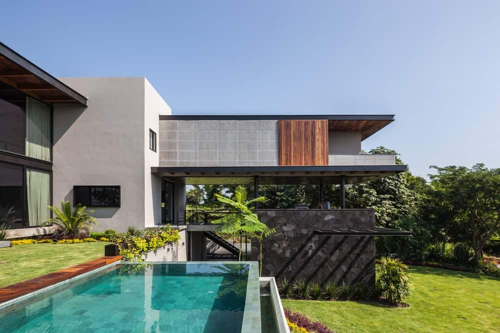 Swimming pool in the Casa Kaleth designed by Di Frenna Arquitectos.