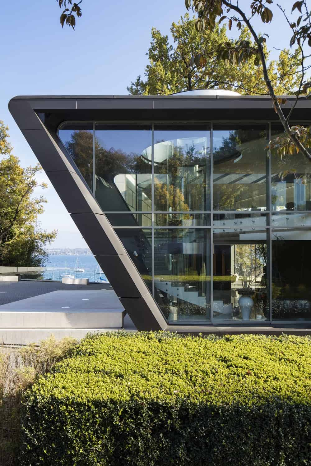 Exterior view of the Lake House designed by ARRCC.