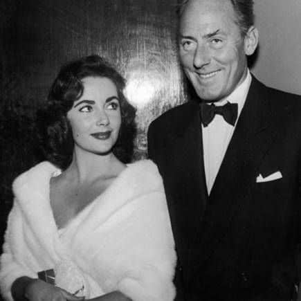Half body photo shot of Elizabeth Taylor and Michael Wilding. Images courtesy of Toptenrealestatedeals.com.