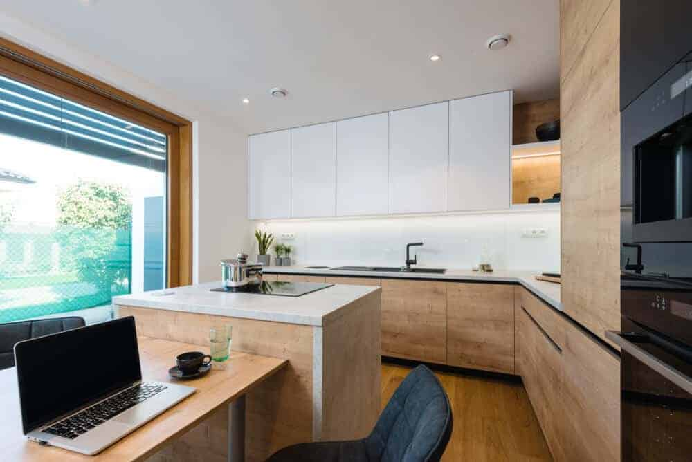 50 Kitchens With Built In Tables Photos Home Stratosphere