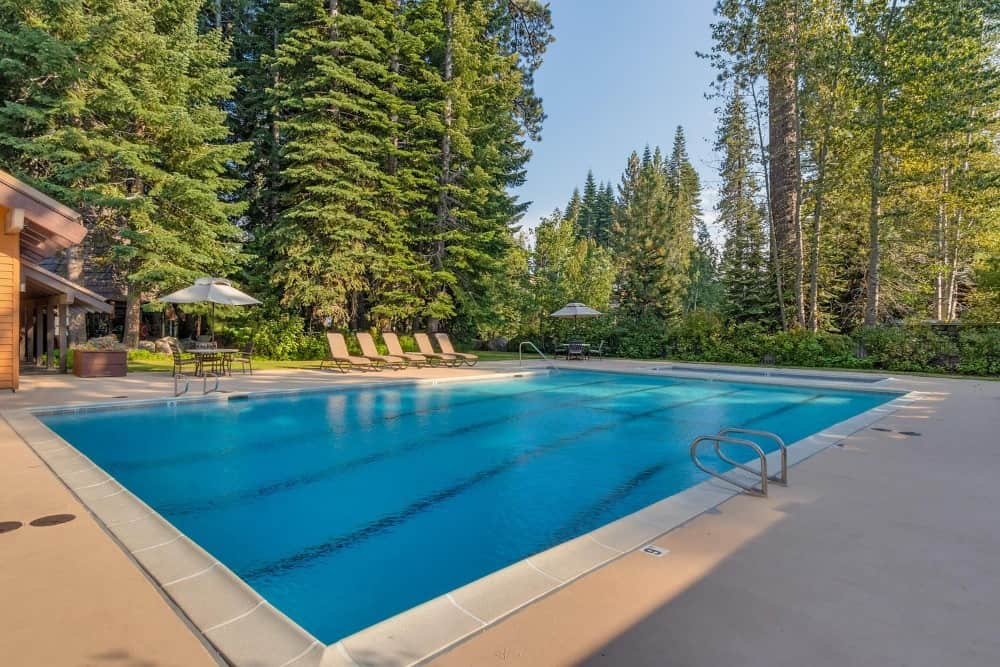 The home also has its own outdoor swimming pool surrounded by the gorgeous landscape in the area. Images courtesy of Toptenrealestatedeals.com.