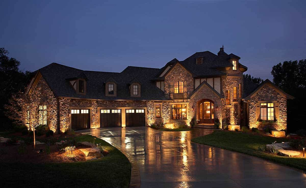 Two-Story 4-Bedroom European-Style Home