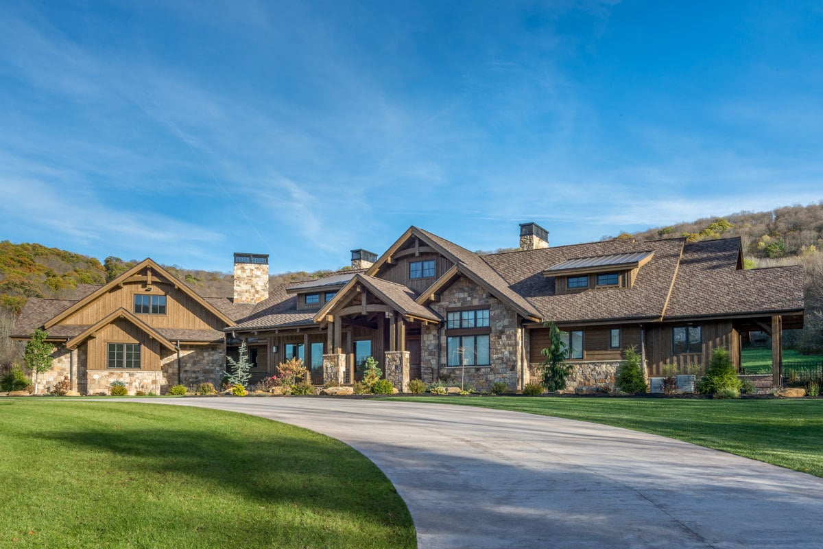 3-Bedroom Single-Story Mountain Ranch Home with Lower Level Expansion