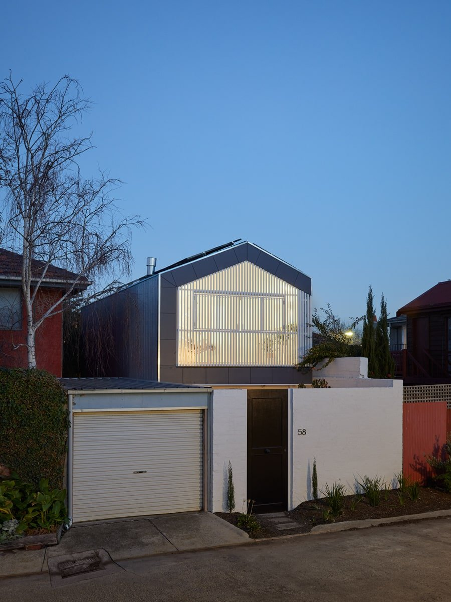 This view gives the house a distinction with its neighboring houses. It has a unique aesthetic that is both modern and innovative.
