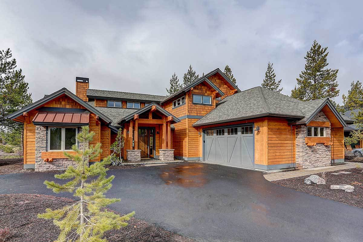 4-Bedroom Two-Story Mountain Craftsman Home with Vaulted Upstairs