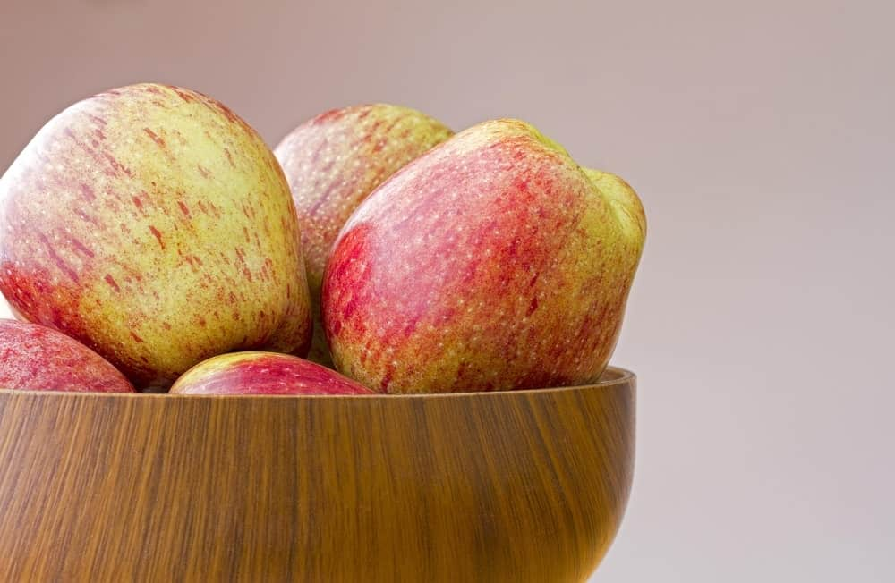Cameo apples in a bowl