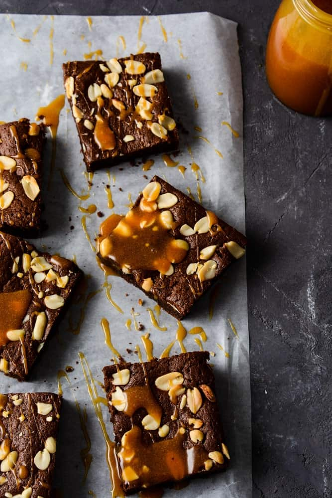 Peanut butter cup crunch brownies with caramel
