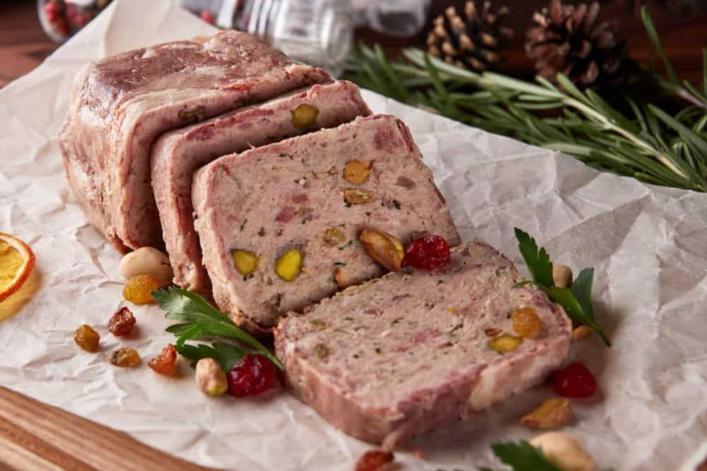 Chicken meat terrine with raisins and pistachios
