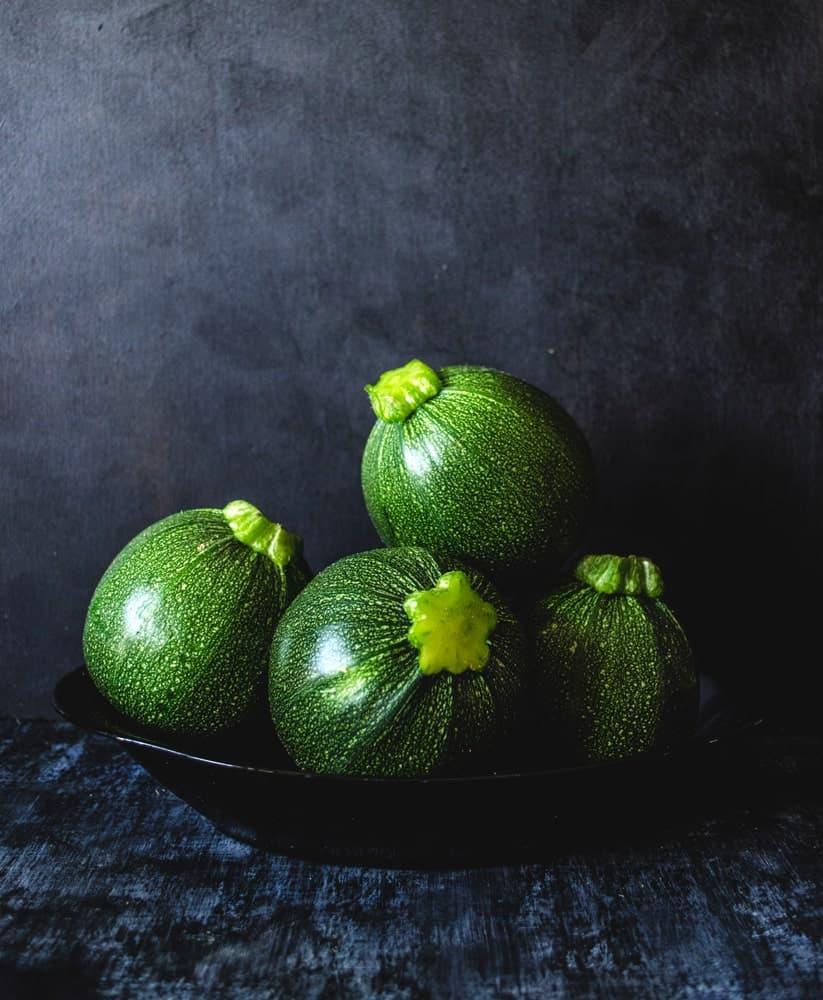 Round zucchini fruits