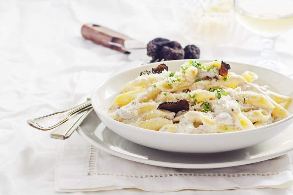 Black truffle cream sauce pasta
