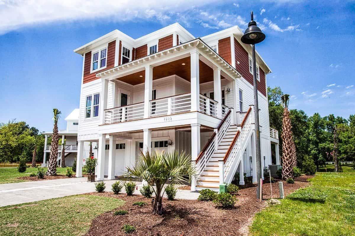 Contemporary Florida-style beach house