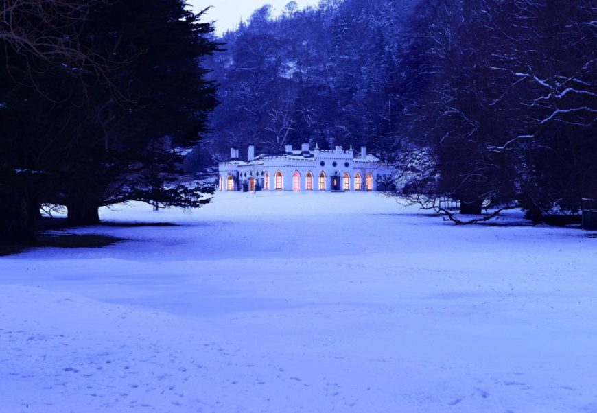 This is the look at the castle during the winter, surrounded by the snowy ground. Images courtesy of Toptenrealestatedeals.com.