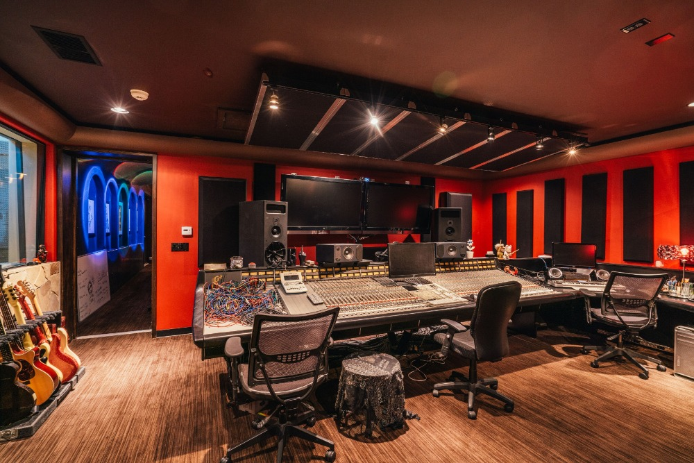 The home also includes a recording studio, perfect for a musician like Tommy Lee. Images courtesy of Toptenrealestatedeals.com.