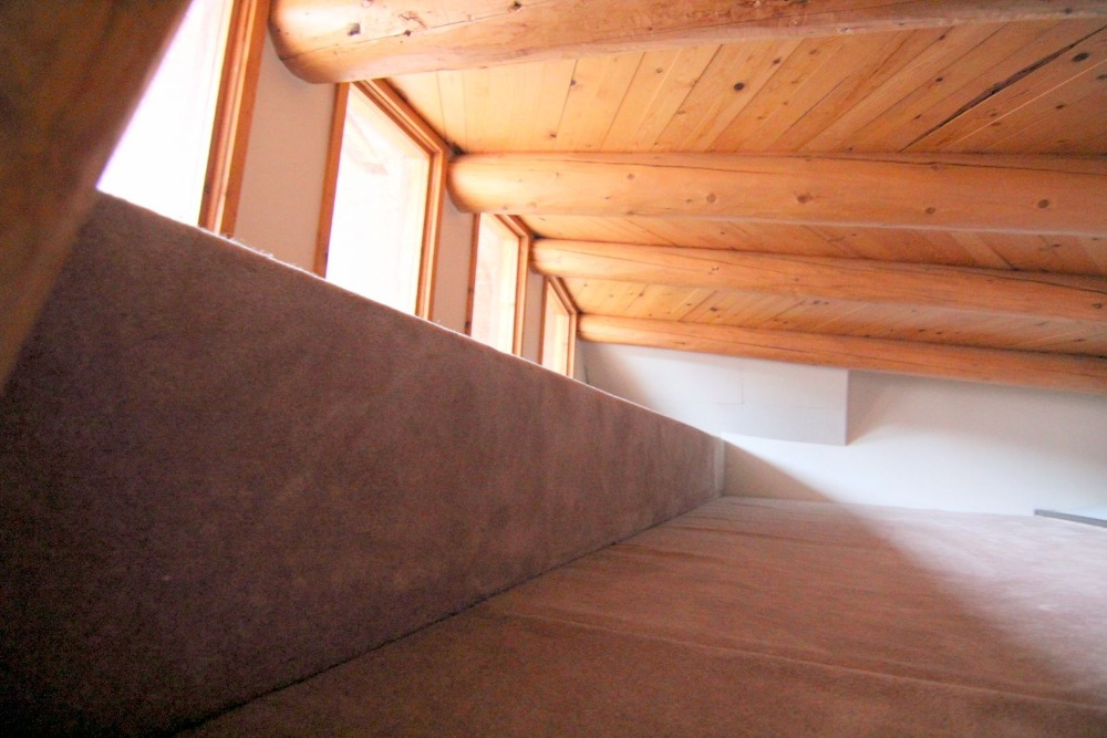 This room can serve as an attic or a storage room. Images courtesy of Toptenrealestatedeals.com.