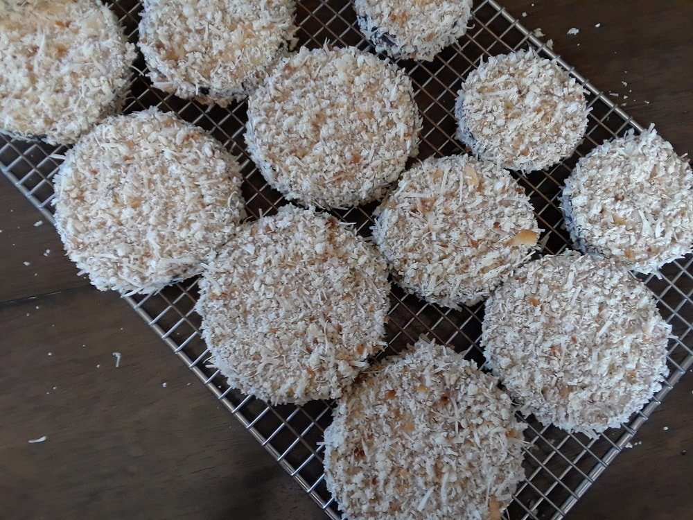 After being coated with breadcrumbs, they set aside.