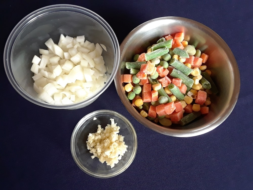 The set of ingredients in separate bowls.