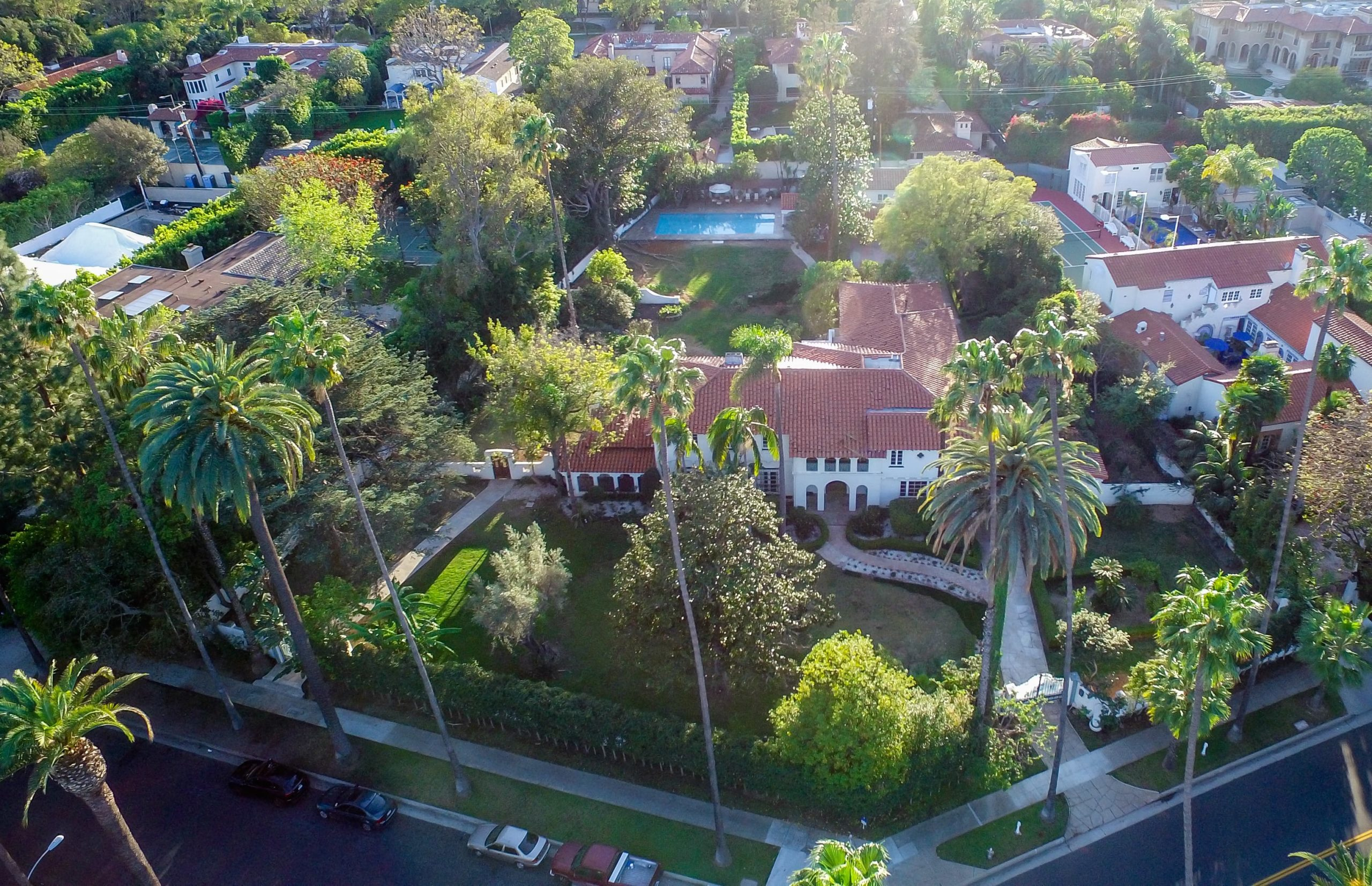 Aerial view of the estate. Image courtesy of Toptenrealestatedeals.com.