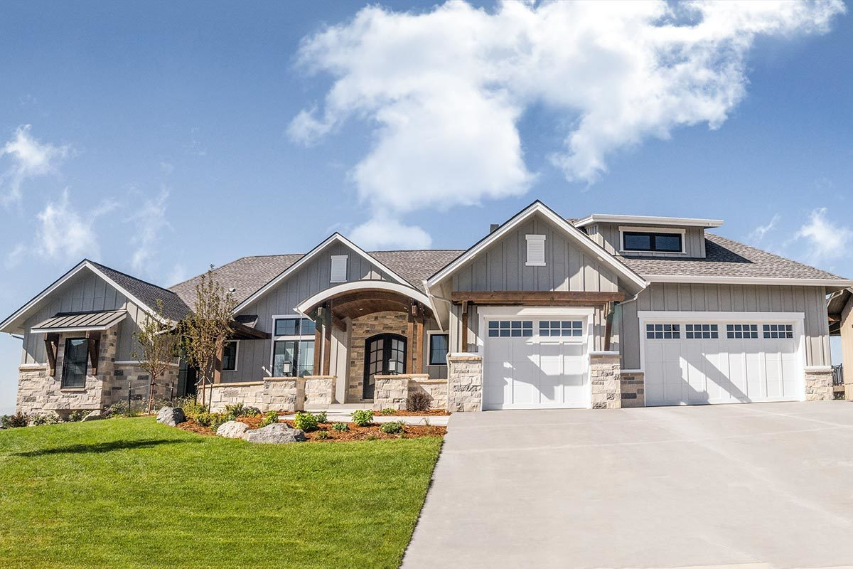 4-Bedroom Single-Story New American Home with Large Rear Porch