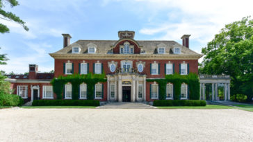 Long Island Gold Coast Mansion at Old Westbury Gardens