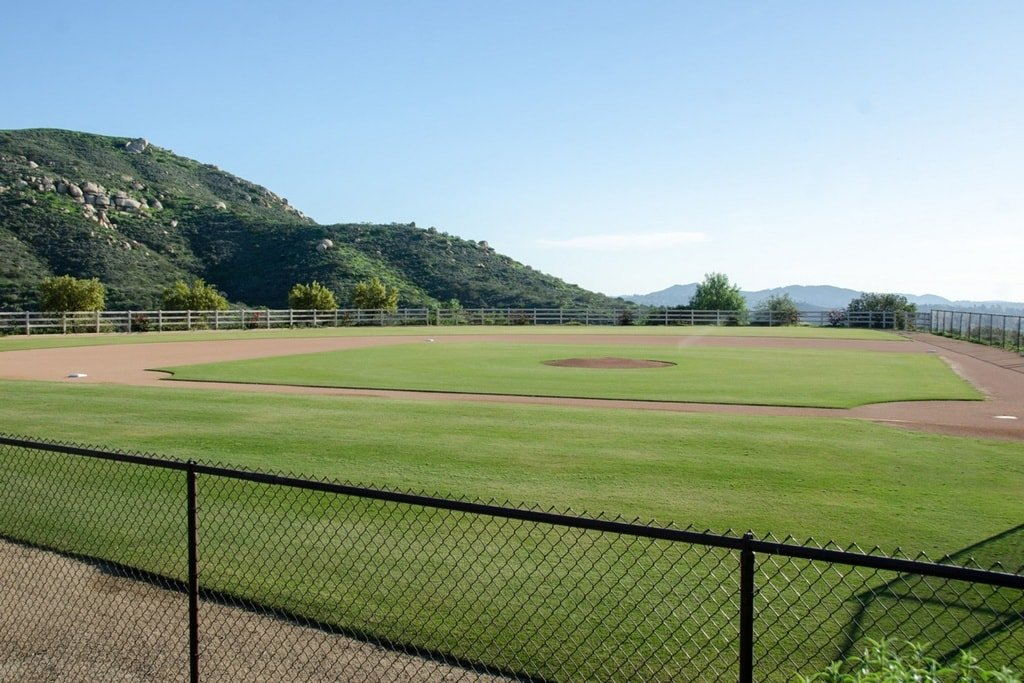 This is the highlight of the whole estate. This is the pro-style baseball field that has well-maintained grass lawns. Image courtesy of Toptenrealestatedeals.com.