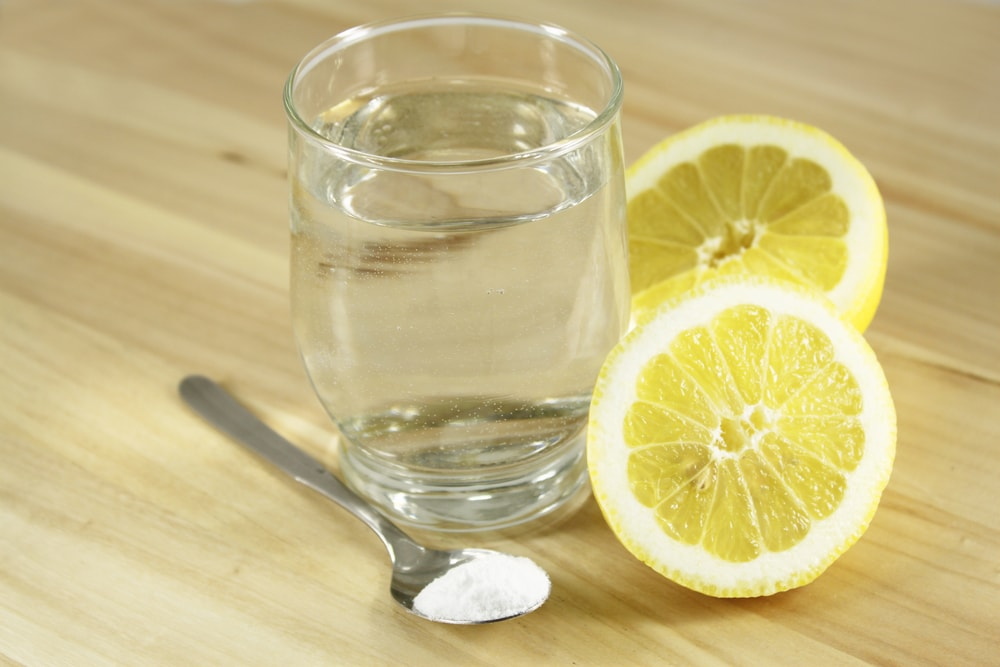 Lemon with baking soda with a glass of water.