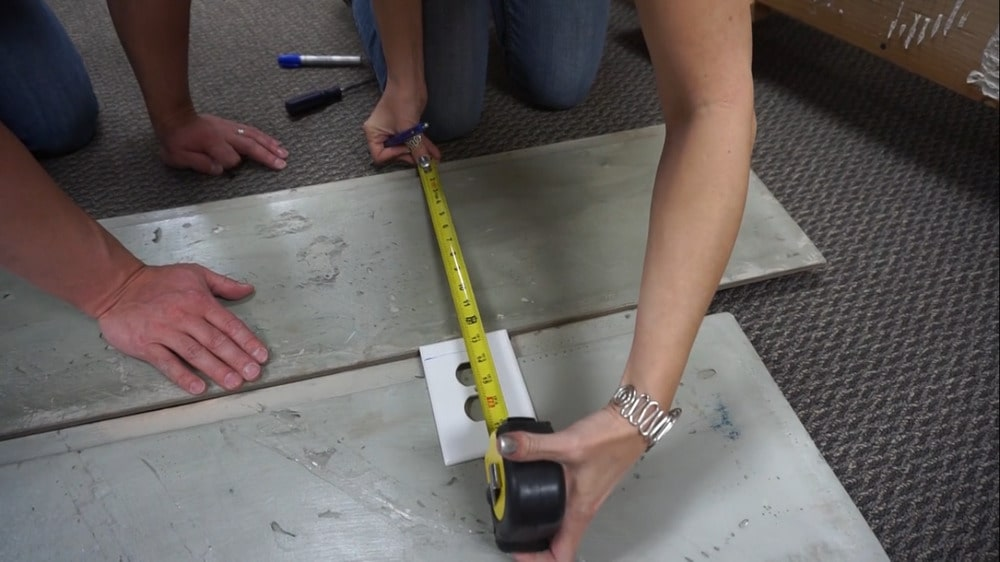 Measuring the panels.