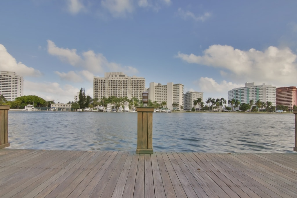 This is the view from the house looking out at the INtracoastal. Here you can see the large water scenery and the large buildings at the other side. Image courtesy of Toptenrealestatedeals.com.