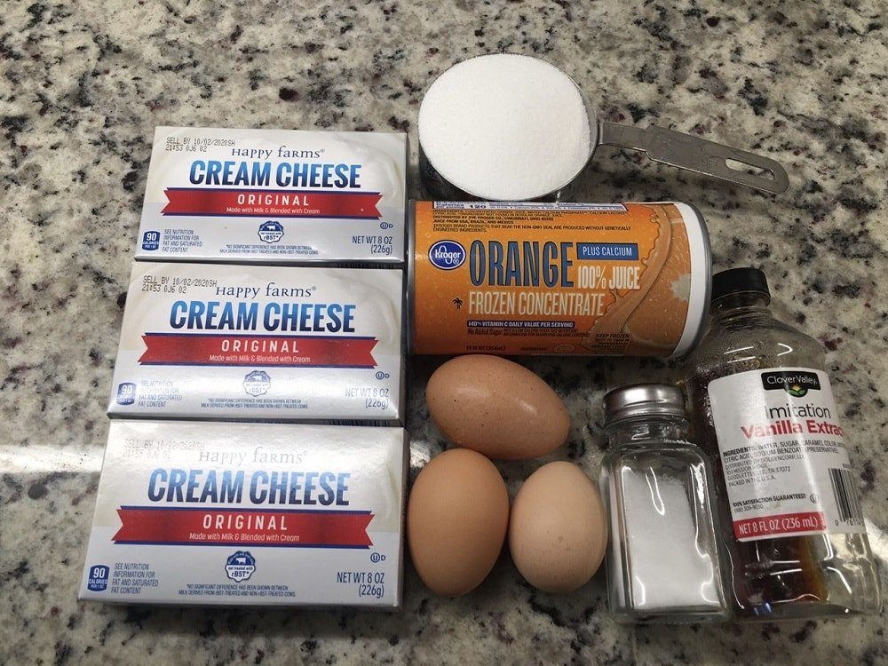 The set of ingredients for the cheesecake.