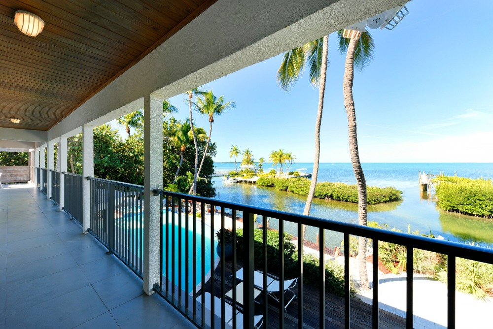 This is the outdoor view that the balcony offers. Image courtesy of Toptenrealestatedeals.com.