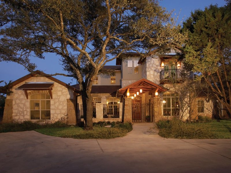 Two-Story 4-Bedroom Courtyard Cottage