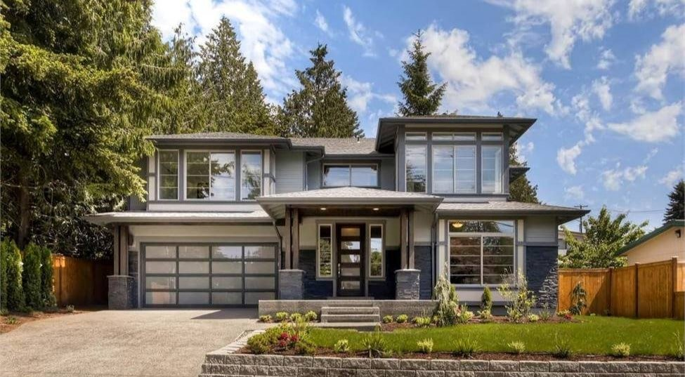 4-Bedroom Modern Two-Story The Halliwell Home