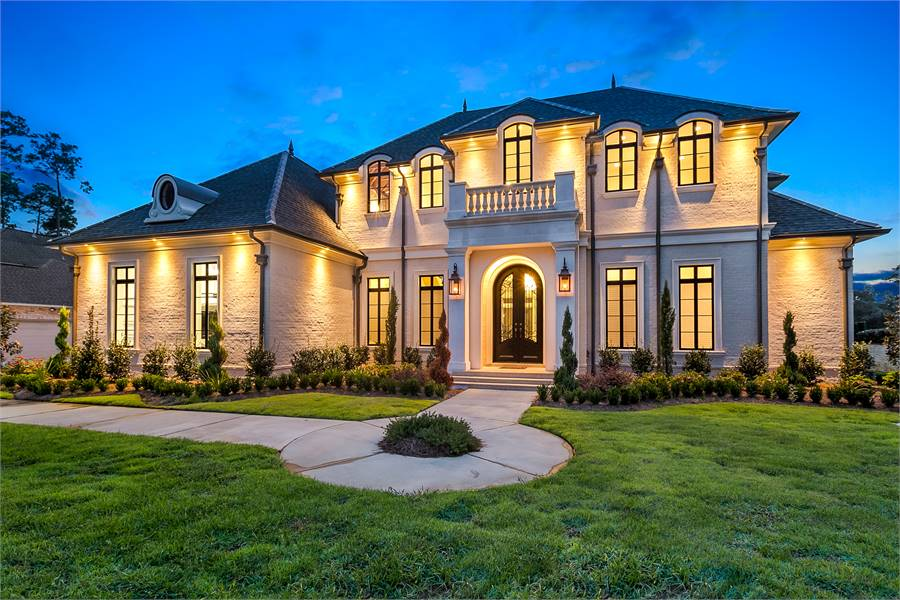 4-Bedroom Two-Story Baton Rouge Traditional Luxury Style Home