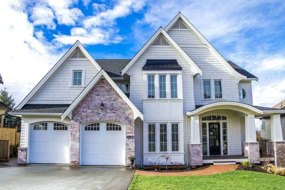 4-Bedroom Two-Story New American Home with Vaulted Primary Bedroom