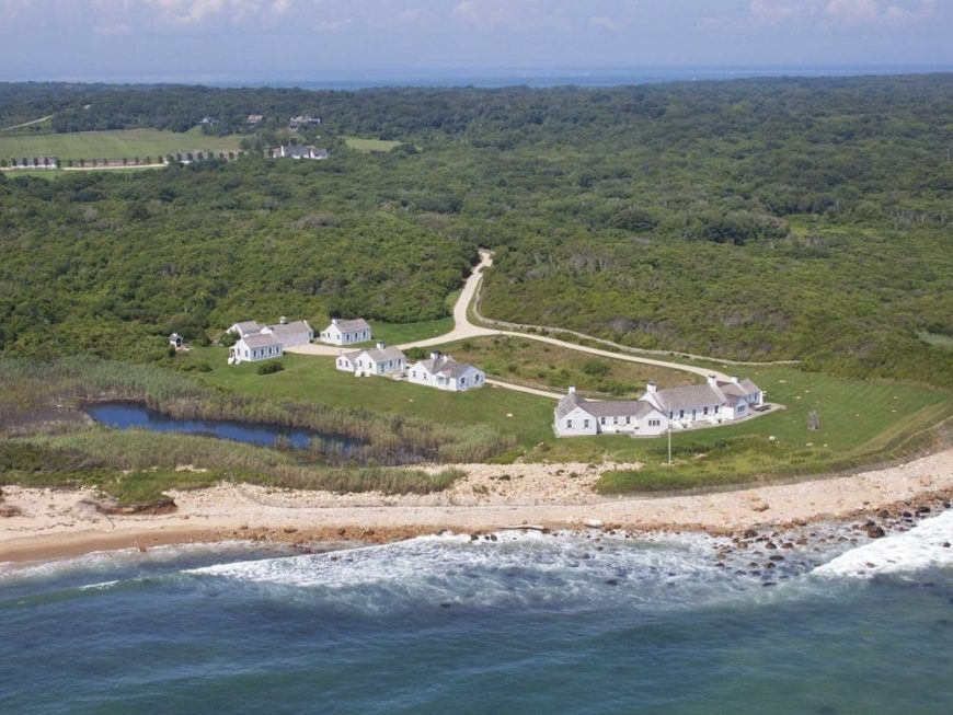 This is an aerial view of the whole estate from the vantage of the sea. You can see here the large main house and the other buildings of the estate along with spacious land for riding horses. Image courtesy of Toptenrealestatedeals.com.