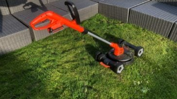 BLACK+DECKER 3-in-1 cordless lawnmower