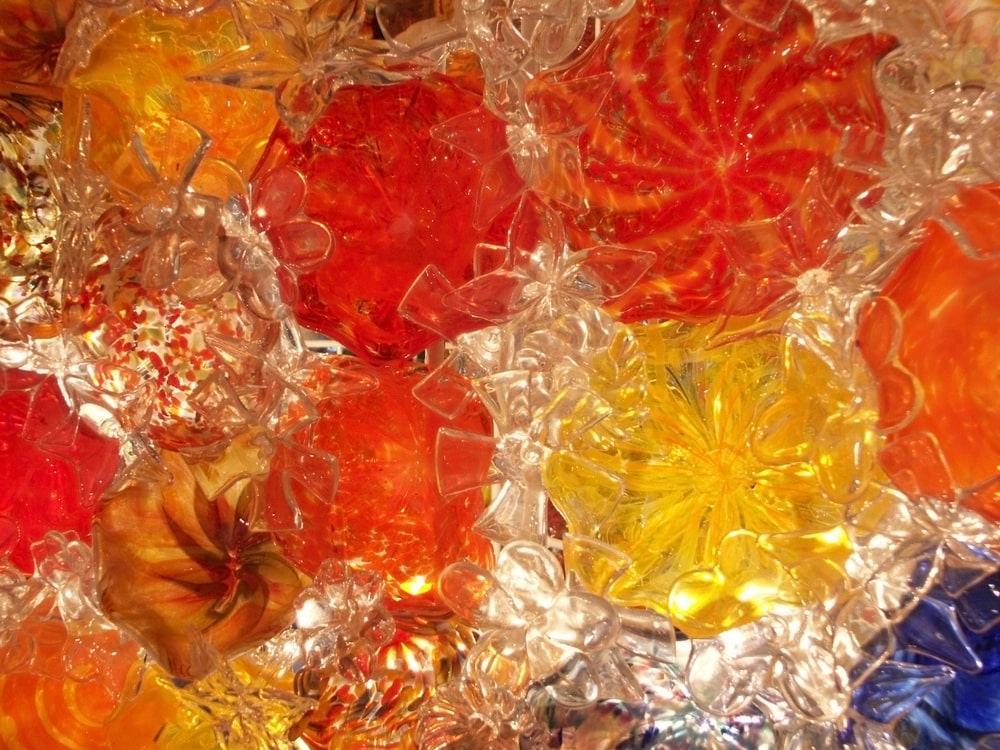 A close look at the stunning detail of Chihuly's floral sculptures.