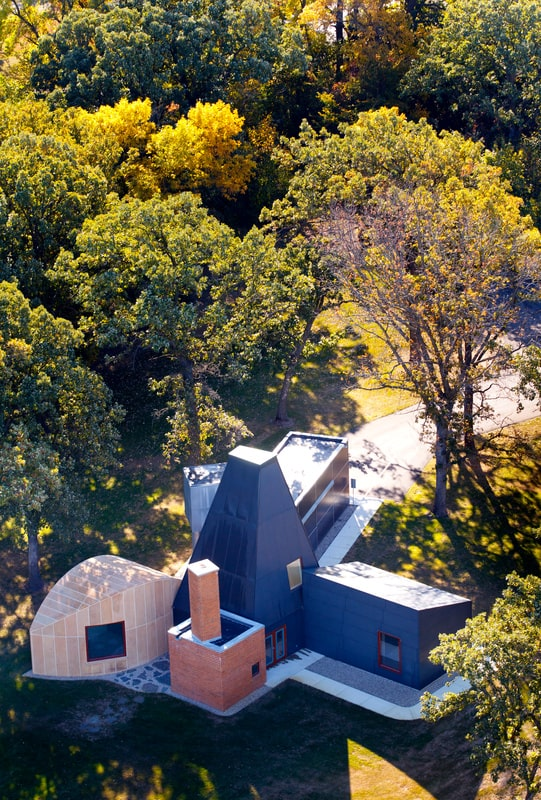 This is an aerial view of the house. From this far angle, you can appreciate the artistry of the design. Image courtesy of Toptenrealestatedeals.com.