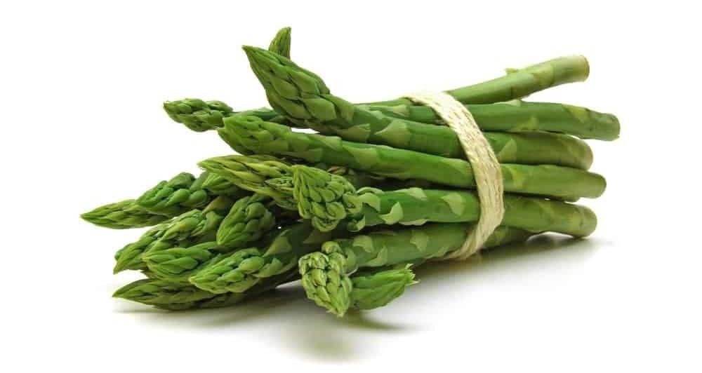 A bundle of green asparagus.