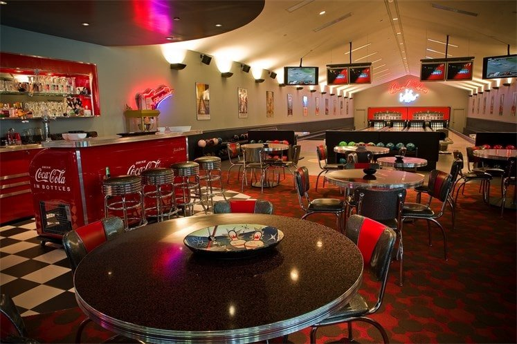 This is a look at the professional bowling center inside the house. It also has a bistro and bar beside it. Image courtesy of Toptenrealestatedeals.com.