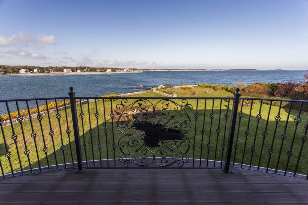 This is a closer look at the wrought-iron railing of the balcony with a figure of a flying bird. Image courtesy of Toptenrealestatedeals.com.