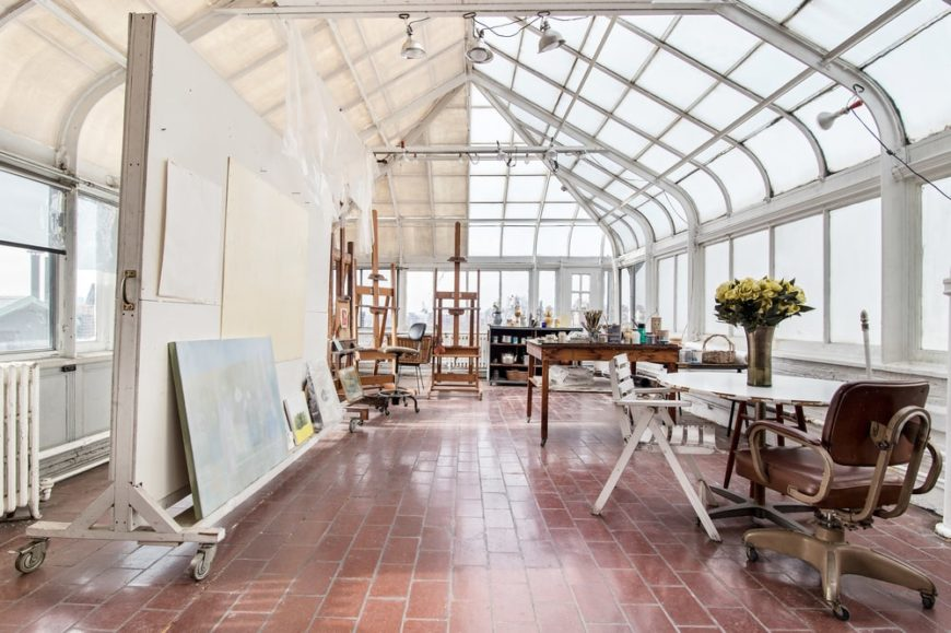 This is the painting studio of the penthouse. It has glass walls that extend to the ceiling. This can also be converted into a greenhouse. Image courtesy of Toptenrealestatedeals.com.