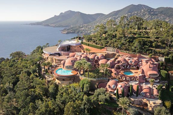 Aerial view of the Bubble Palace boasting its stunning architecture. Image courtesy of Toptenrealestatedeals.com.