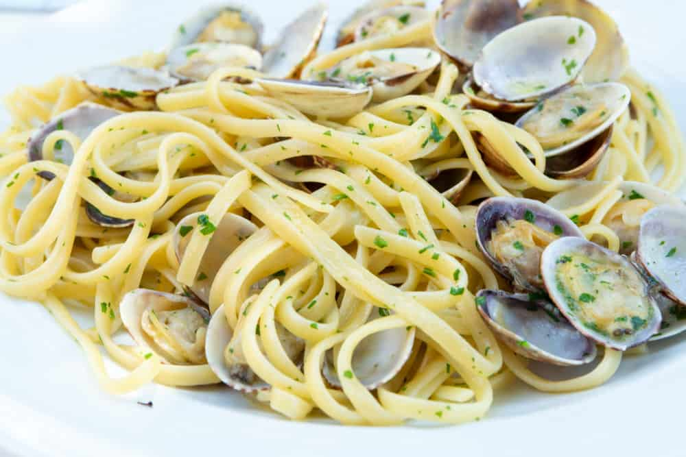 A plate of delicious Linguini with clams.