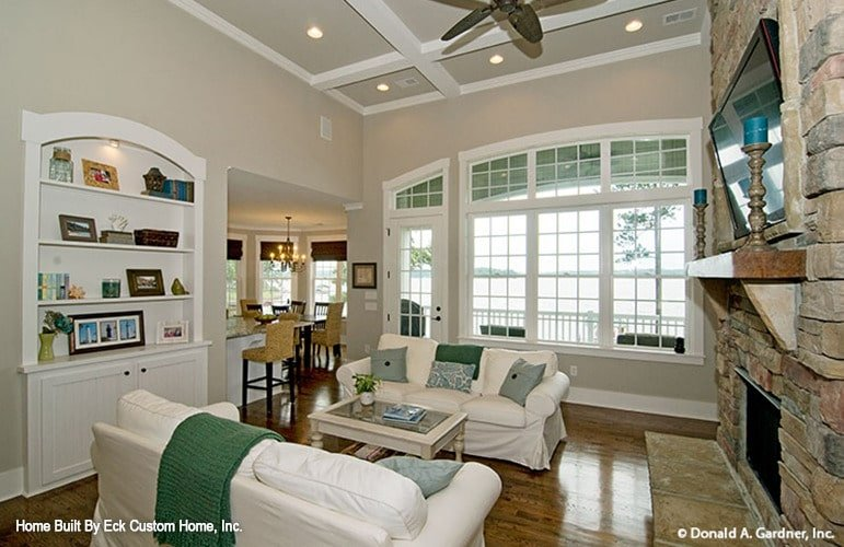 An arched window on the side brings in ample natural light.
