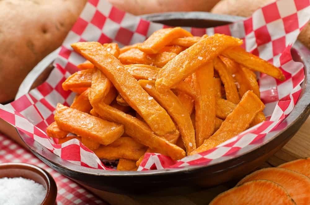 Fries cut in julienne-style.